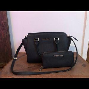 Black Michael Kors Leather purse